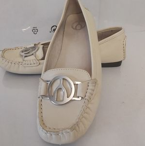 Shoes Wishbone college Size 6
